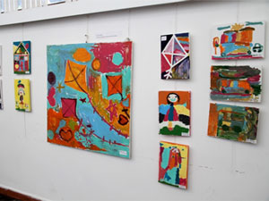 Minik sanatçılardan 'Dünya Çocuk Hakları' temalı sergi