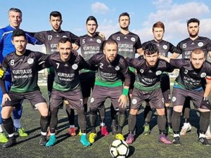 Gümüşsuyuspor şampiyonluk için gün sayıyor