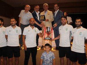 Şile Yıldızspor şampiyonluk kupasını aldı