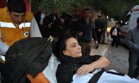 Çatışmada arada kalan kadın vuruldu