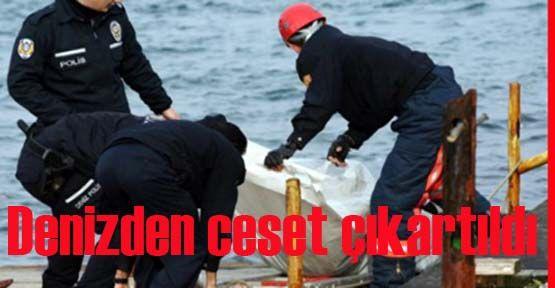 İstanbul\'da denizden bir erkek cesedi çıkartıldı