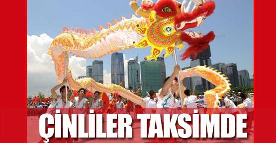 Çinliler Taksim'de
