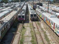 Banliyö trenlerinde ot bitti