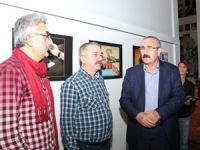 Aşkın Ayrancıoğlu'nun karikatürleri Kartal'da sergileniyor