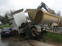 Şişli'de kamyon kazası