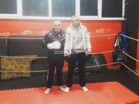İstanbul Hakemleri boksörlüğü öğreniyor