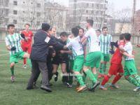 Genç takım maçında Hakeme çirkin saldırı