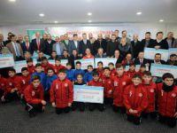Gaziosmanpaşa Belediyesinden Kulüplere destek