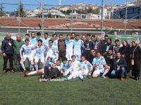 Beyoğlu Yeniçarşıspor şampiyonluk kupasını aldı