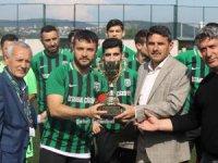 Ümraniye Hekimbaşıspor şampiyonluk kupasını aldı