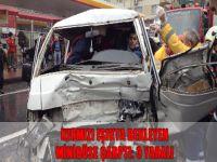 Kırmızı ışıkta bekleyen minibüse çarptı: 3 yaralı