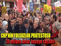 CHP'liler Taksim'de para dağıttı